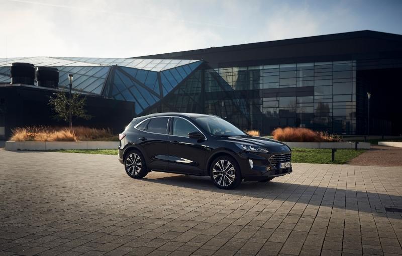 Ford Kuga Hybrid dostal slovenskú cenovku