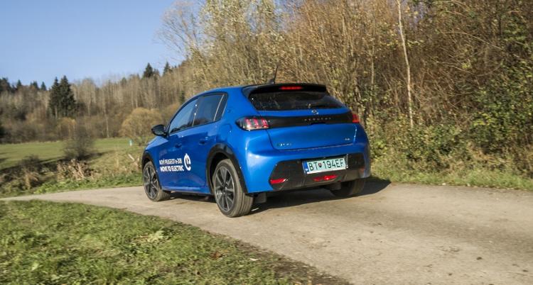 Peugeot e-208 (18)