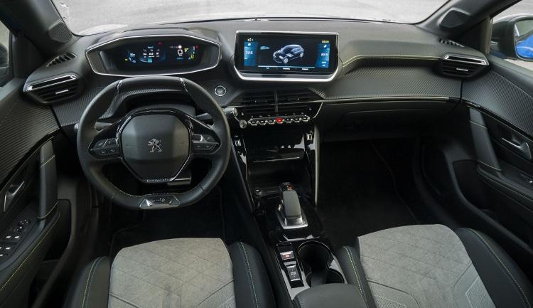 Peugeot e-208 (22)