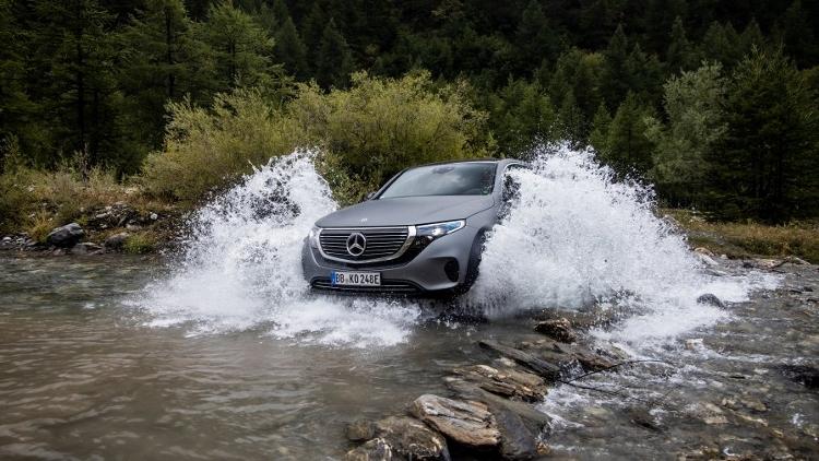 Mercedes EQC 4x4 (1)