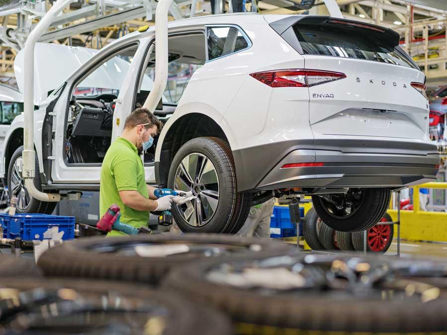 Škoda odštartovala výrobu elektromobilu Enyaq iV