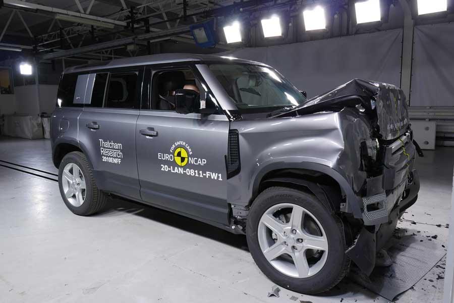 Testami Euro NCAP prešlo 7 vozidiel, vrátane nového Defendera