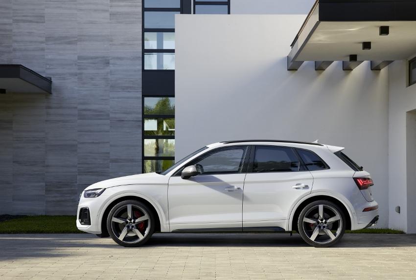Audi vylepšilo naftový motor V6 modernizovaného modelu SQ5 GG7i6S0MIP audi-sq5-10