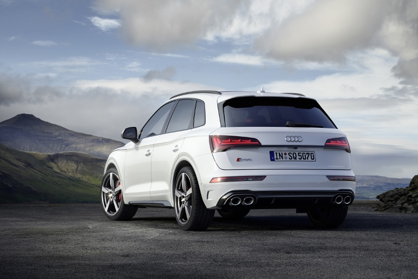 Audi vylepšilo naftový motor V6 modernizovaného modelu SQ5 hdKwxFldFZ audi-sq5-11