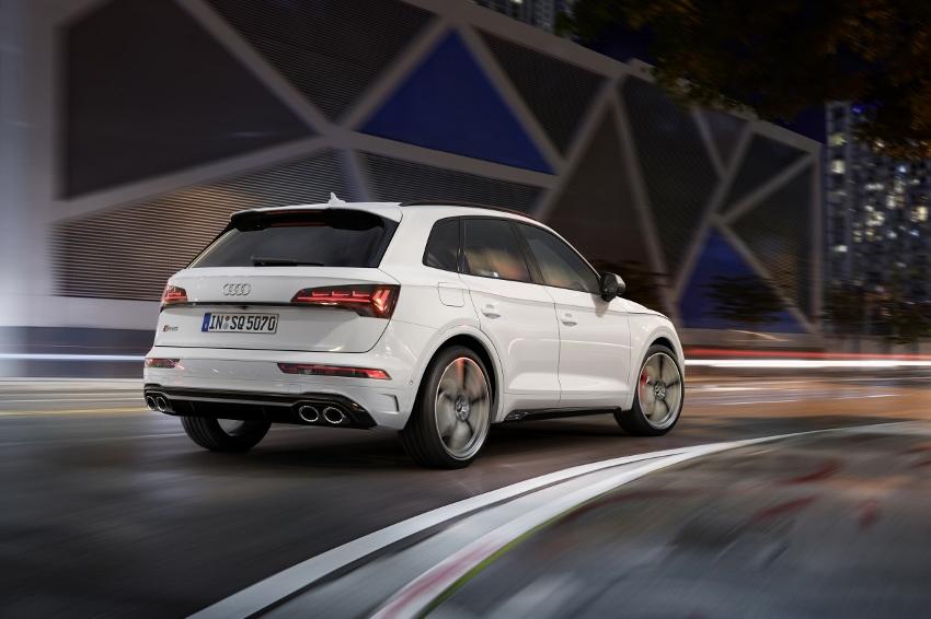 Audi vylepšilo naftový motor V6 modernizovaného modelu SQ5 TUH5YtU1Ea audi-sq5-4