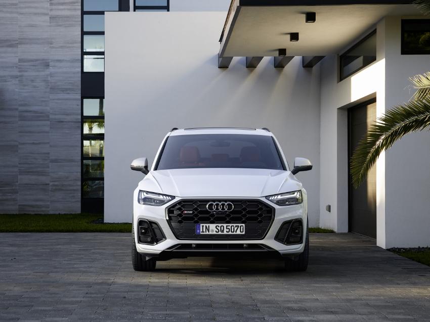 Audi vylepšilo naftový motor V6 modernizovaného modelu SQ5 wsrGnZ1xiX audi-sq5-8