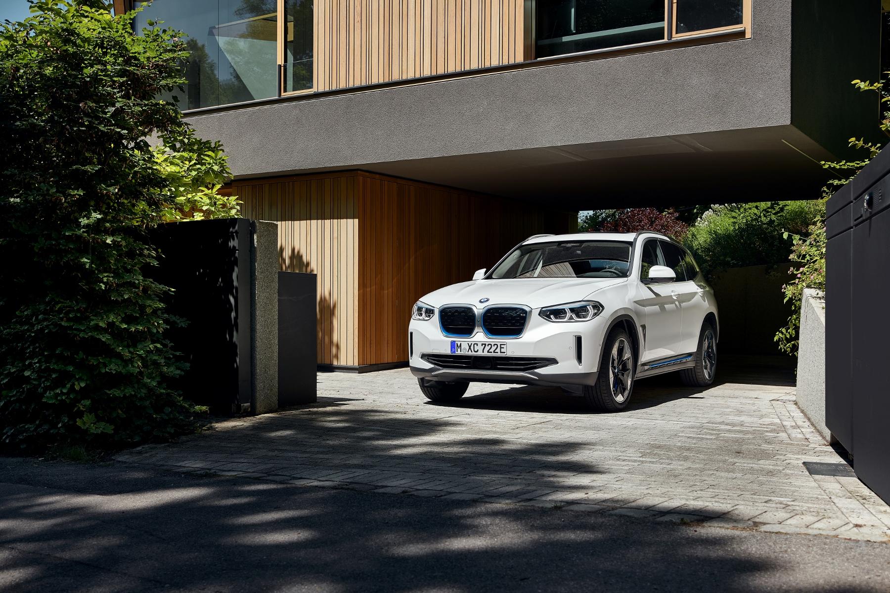 BMW ukázalo elektrické SUV iX3 s dojazdom 459 km 52pBrFFqo6 bmw-ix3-7