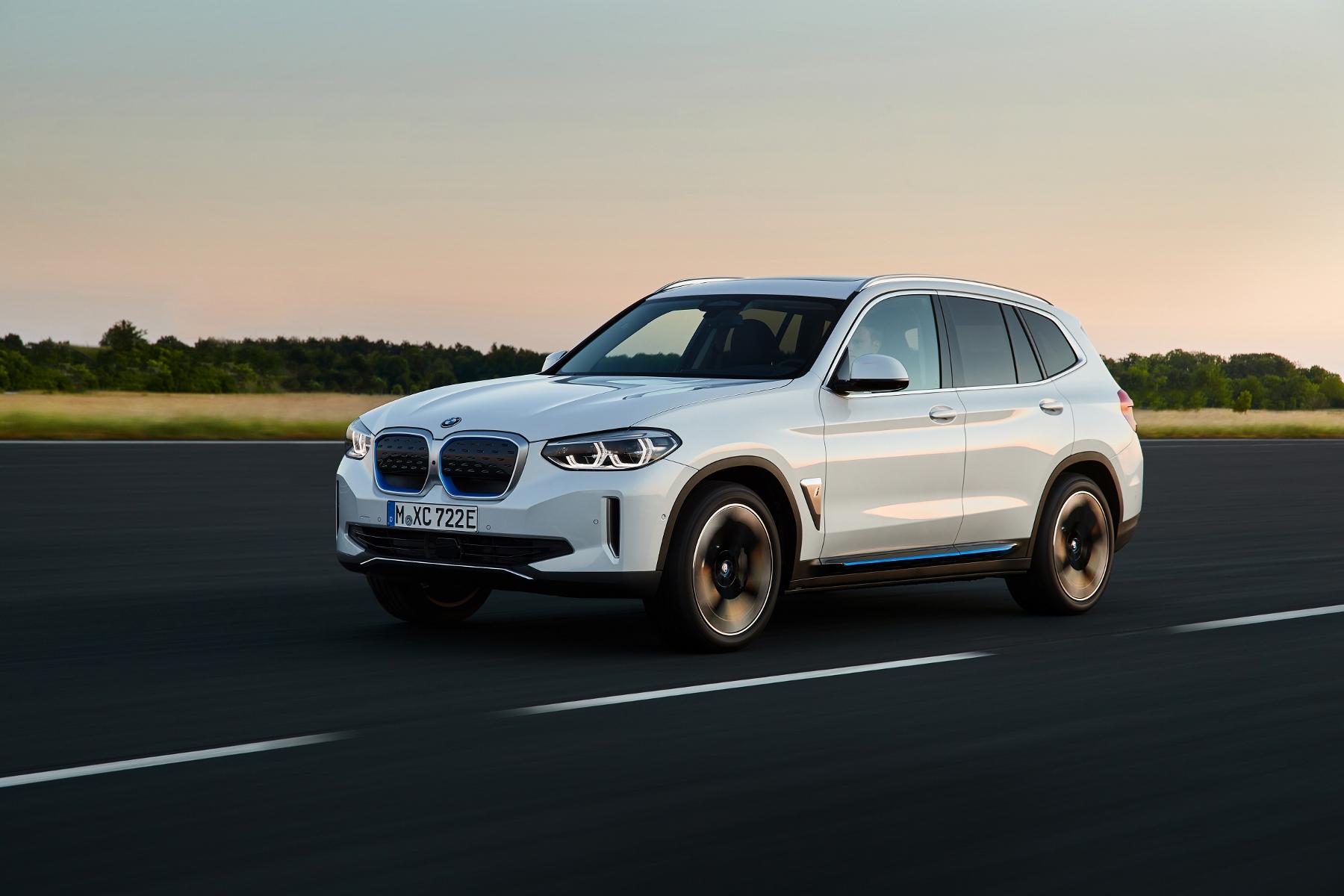 BMW ukázalo elektrické SUV iX3 s dojazdom 459 km O2N01H0z3a bmw-ix3-3