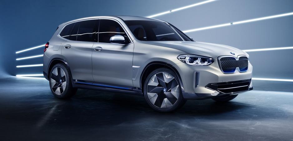 BMW X3 dostalo elektrický pohon a názov iX3