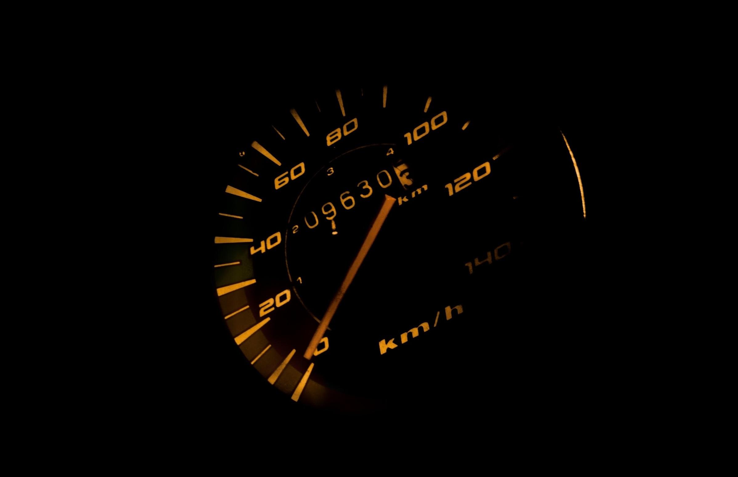 Britská analýza ukázala TOP 10 áut so stočenými kilometrami