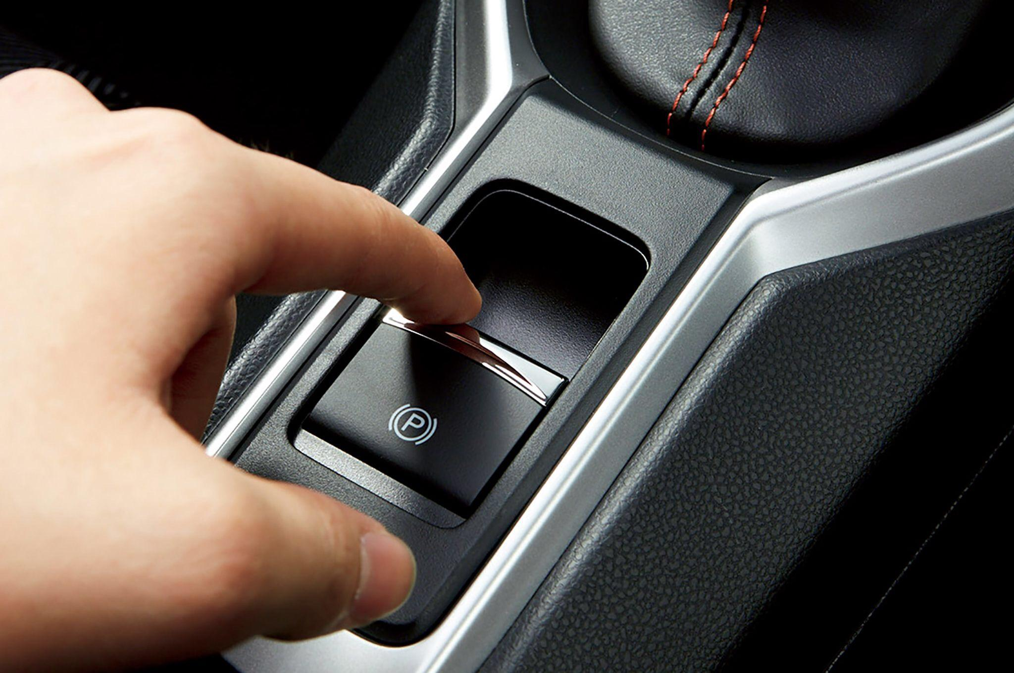 Elektromechanická parkovacia brzda – výhody, nevýhody