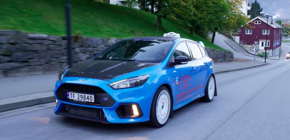 Ford Focus RS ako taxík? V Nórsku to je možné