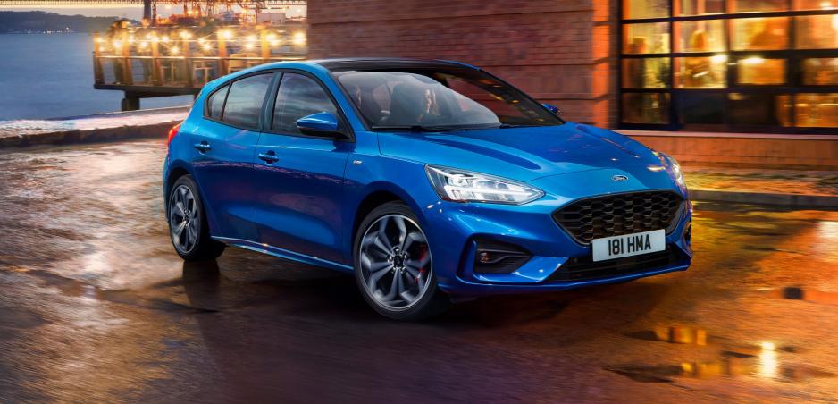 Ford zverejnil fotky nového Focusu ešte pred oficiálnym odhalením
