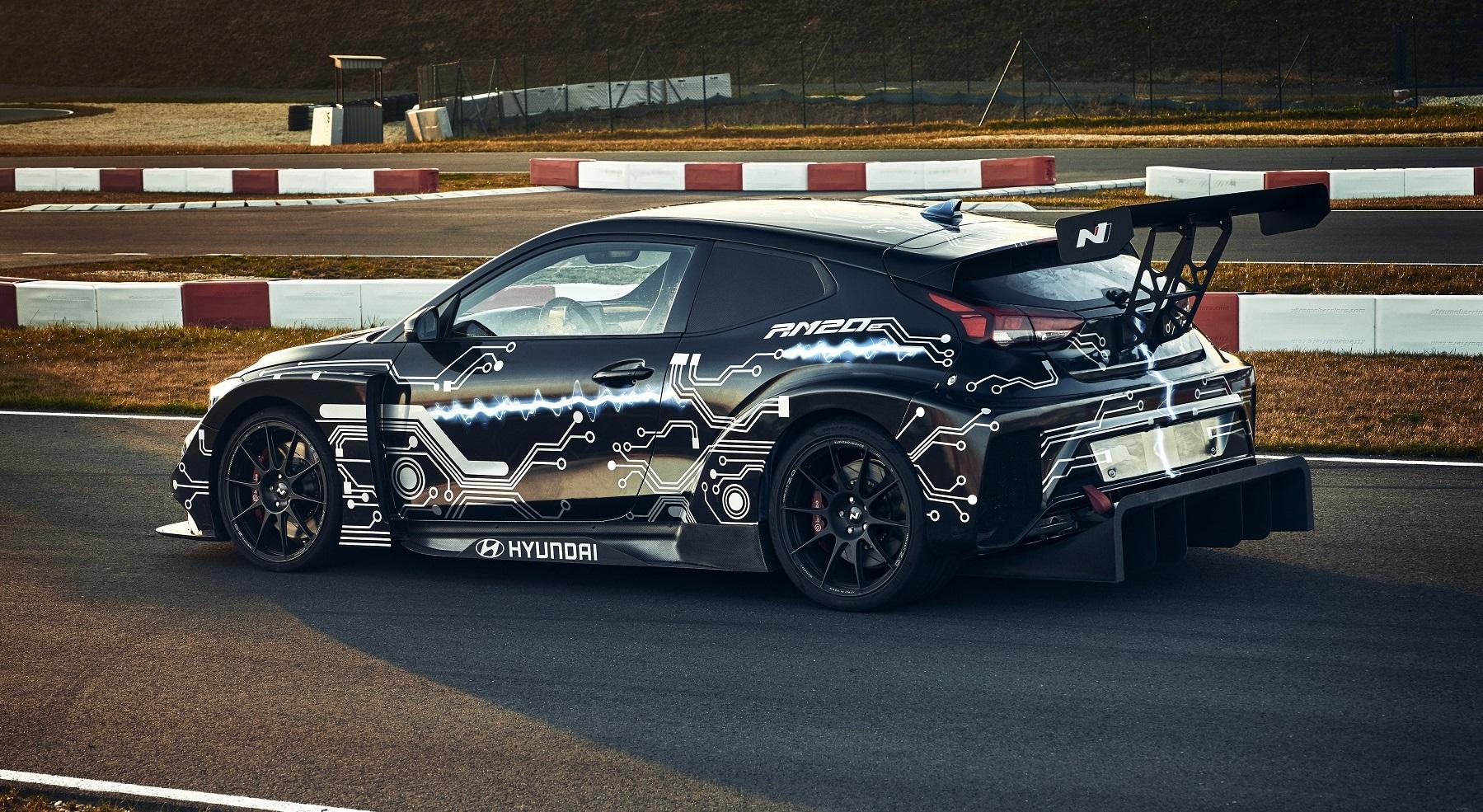 Hyundai N má elektrickú budúcnosť. Predznamenáva ju špeciál RM20e oDQjl8Dz24 hyundai-rm20e-racing-mi