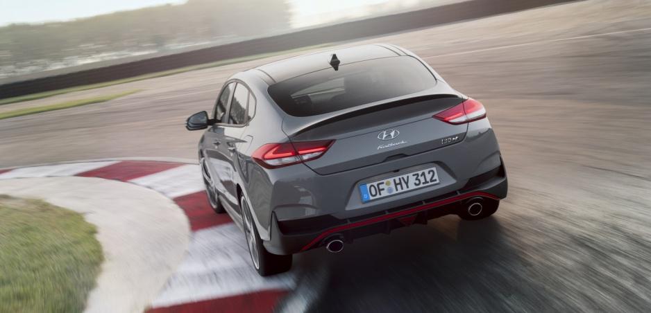 Hyundai predstavil i30 Fastback N - kombináciu štýlu a ostrého prejavu
