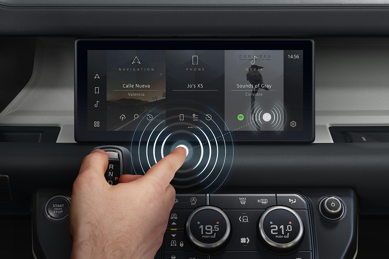 Jaguar Land Rover prichádza s bezkontaktným dotykovým displejom