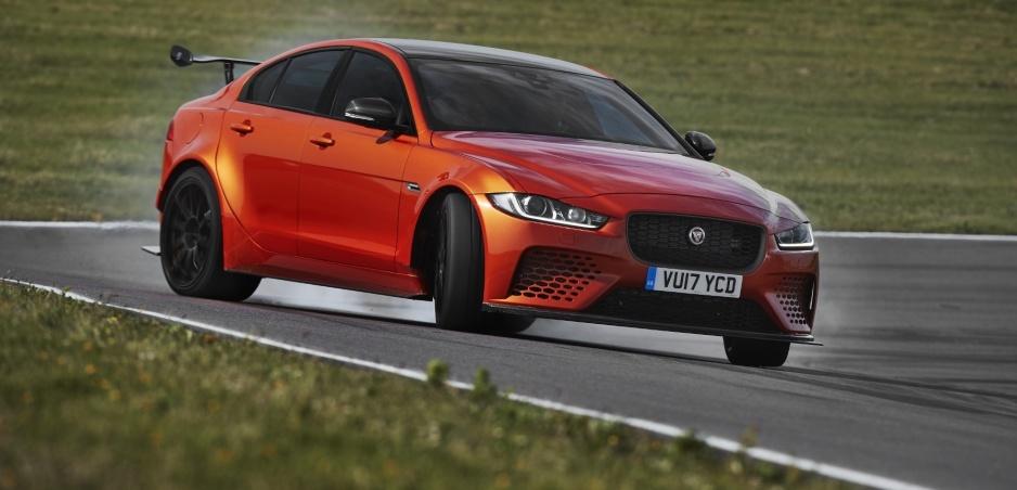 Jaguar XE SV Project 8 je športová novinka aj na bežné cesty