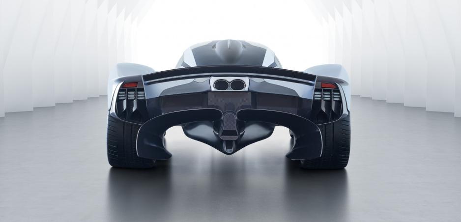 Jazdci Red Bullu začnú s testovaním Aston Martin Valkyrie, rýchlostne sa vraj vyrovná F1