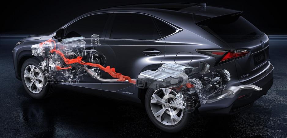 Lexus ES dostane inteligentný pohon všetkých kolies