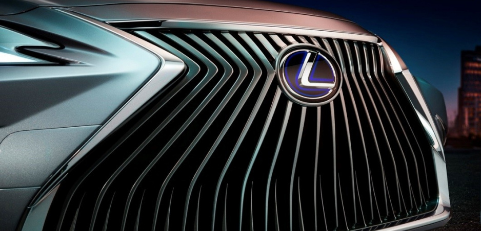 Lexus odhalí nový model, predávať by sa mal aj u nás