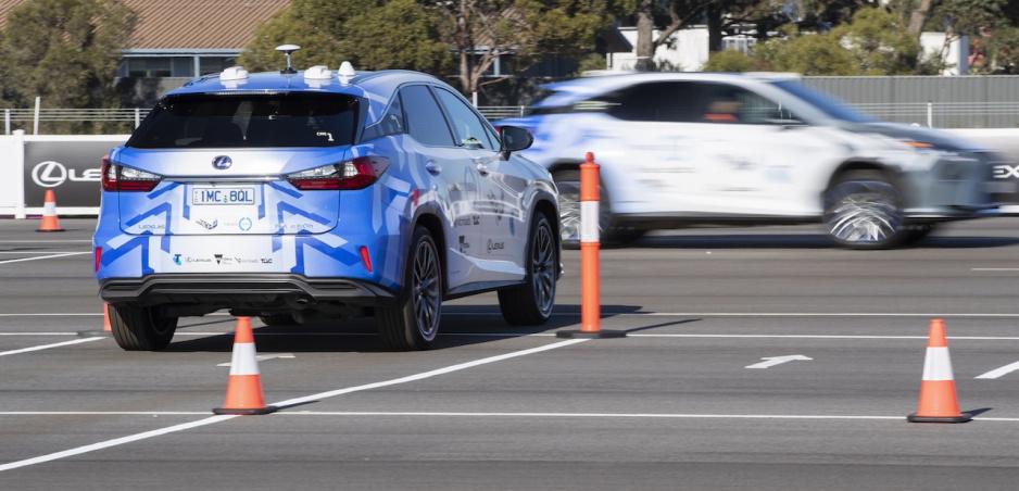 Lexus testuje systém komunikácie, ktorá zníži počet nehôd