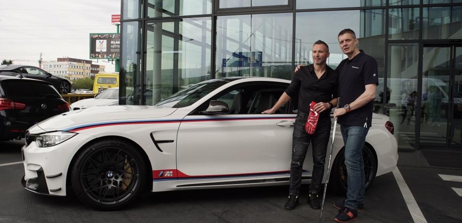 Ľubomír Višňovský získal unikátne BMW M4 DTM Champion Edition