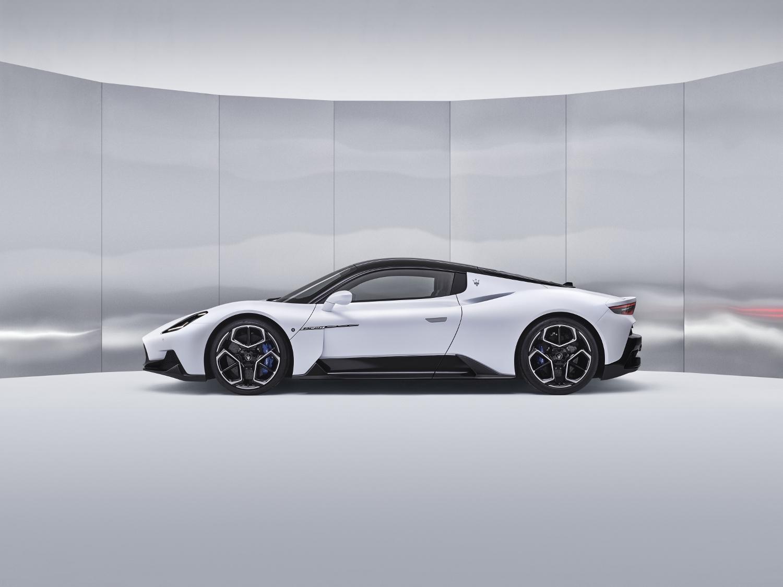 Maserati MC20 odštartovalo novú éru talianskej značky YOKdWOCGXW 03maseratimc20-1500x1125
