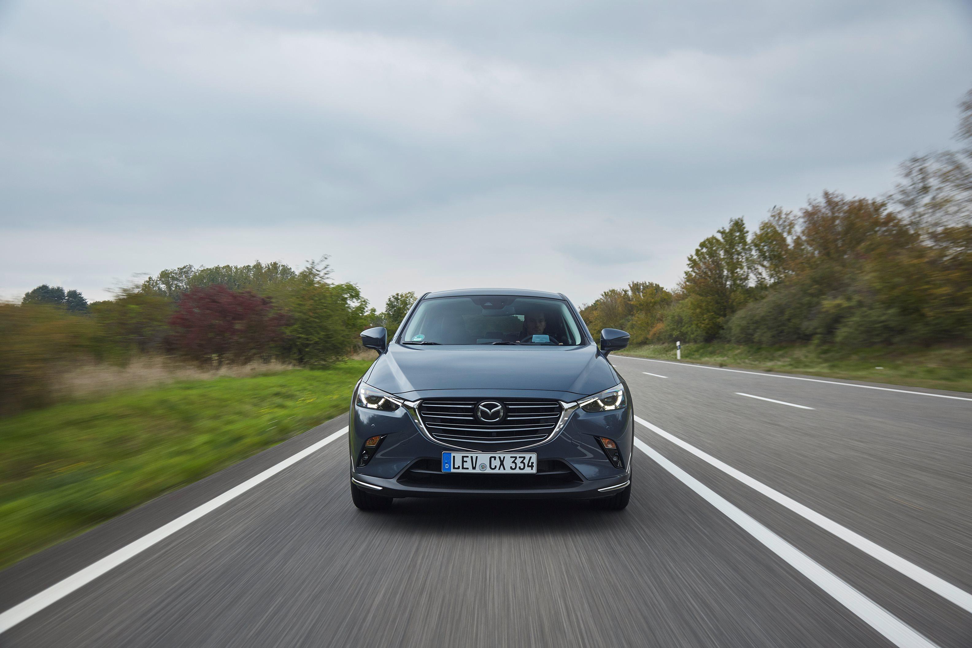 Mazda CX-3 modelového roku 2021 zapne automatické svetlá skôr