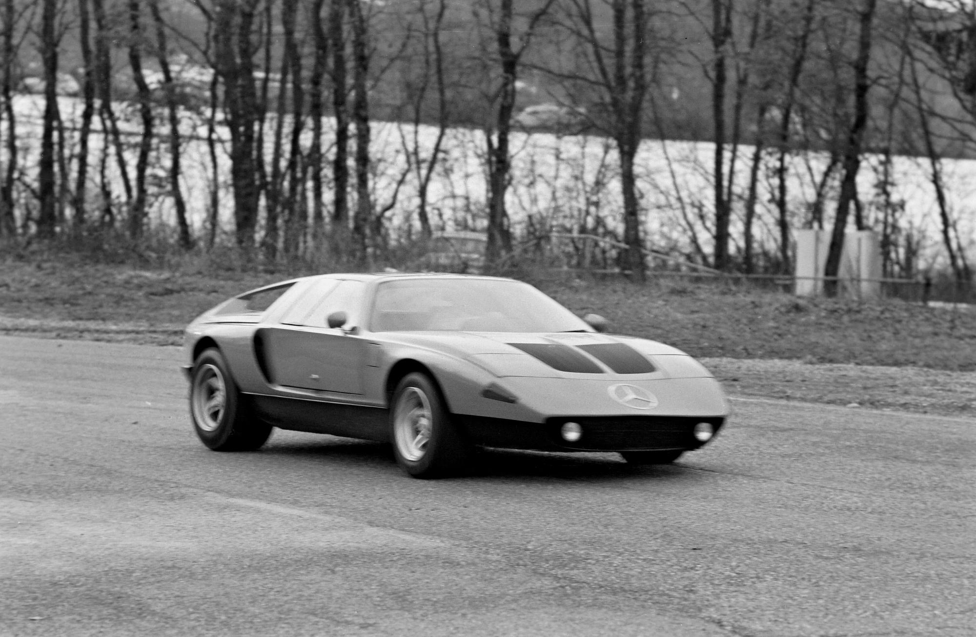 Mercedes C 111-II: premiéra pred 50 rokmi na ženevskom autosalóne 1970 Gnc4TDFbM4 mercedes-c111-ii-3