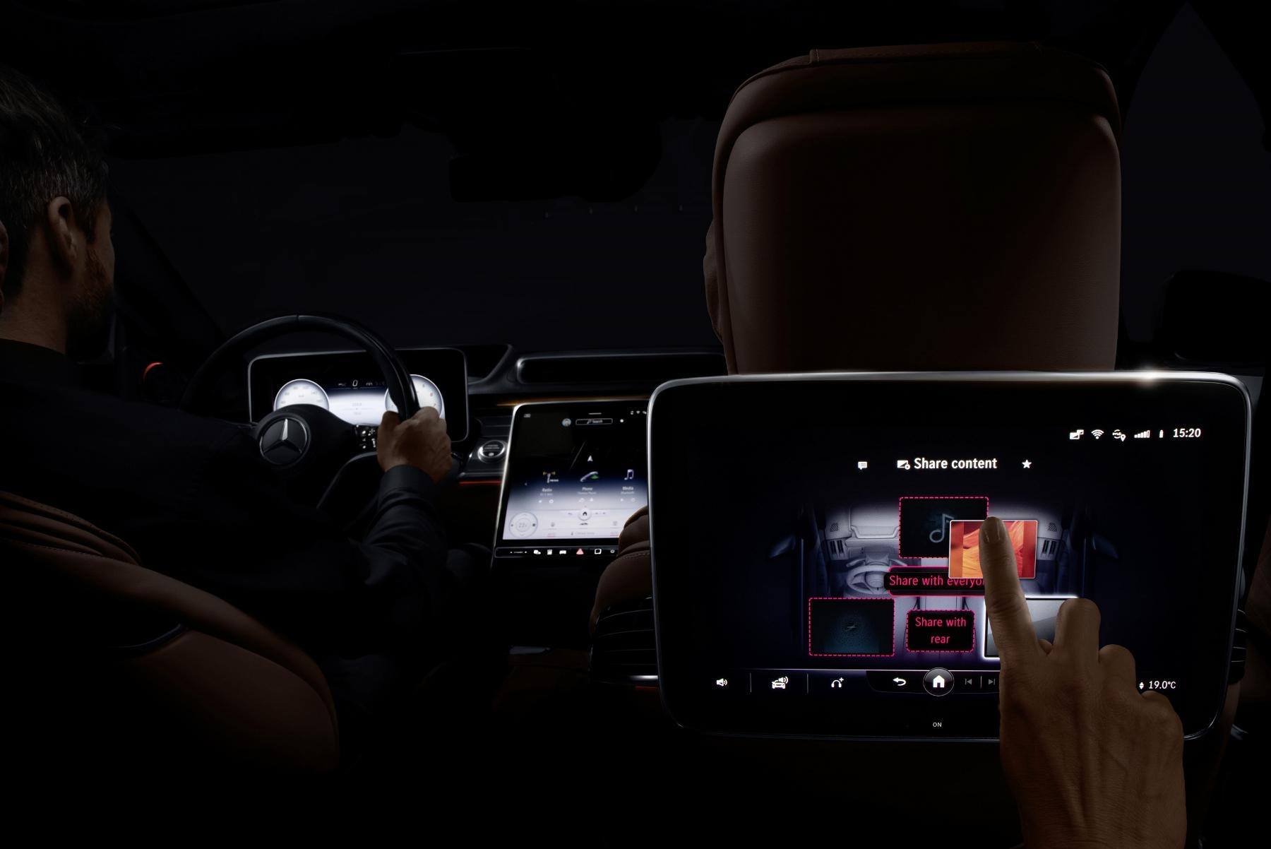 Mercedes triedy S dostane 3D displej a množstvo nových technológií 4XaTEB2R3u mercedes-s-7