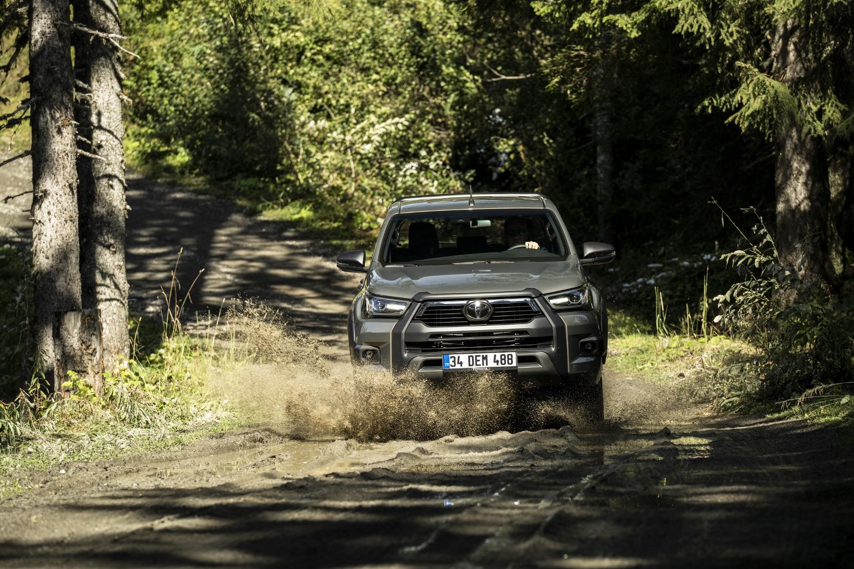 Modernizovaná Toyota Hilux prichádza do Európy. Pozrite si ju vo veľkej galérii