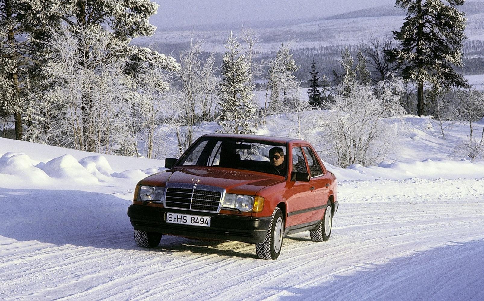 Návrat na autosalón IAA 1985: Mercedes predstavil nové systémy ASD, ASR a 4MATIC