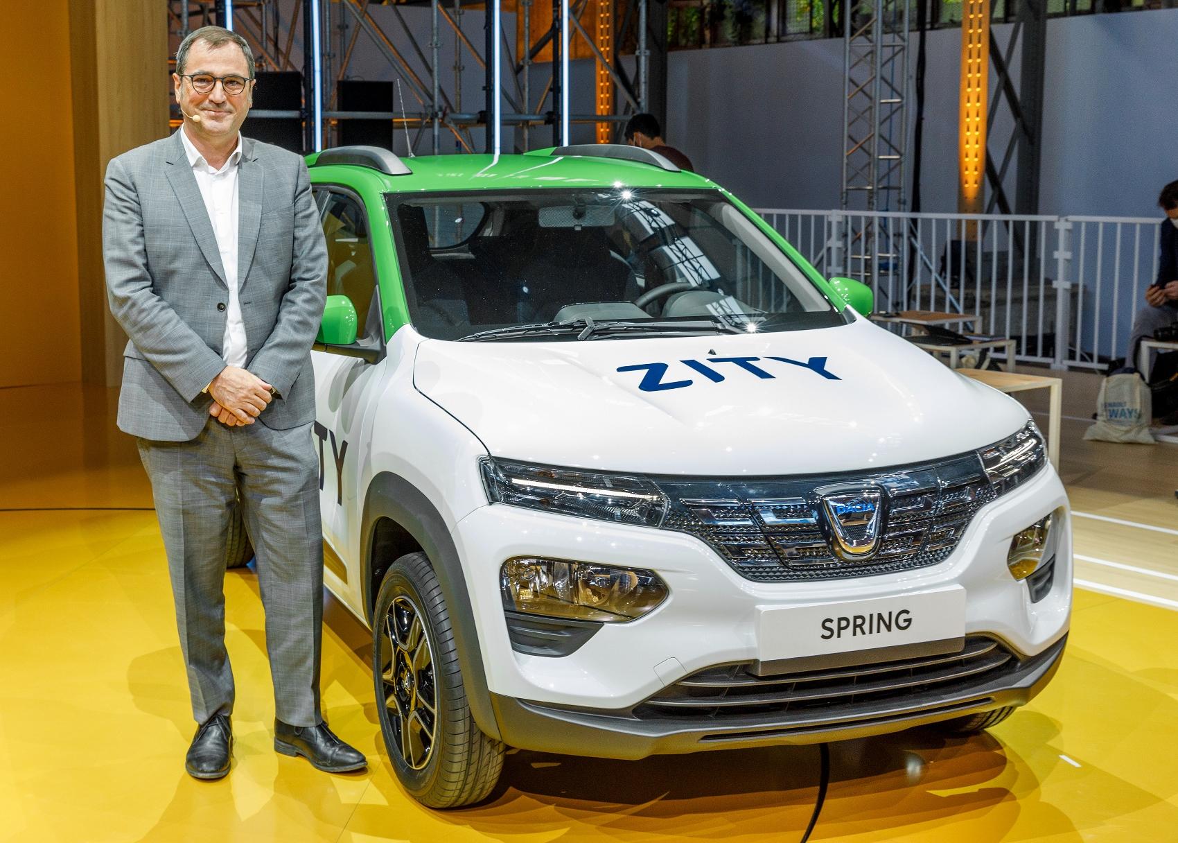 Nová elektrická Dacia Spring bude superlacná 1rsoLilALA 2020-renault-eways-press-conference-11-1700x
