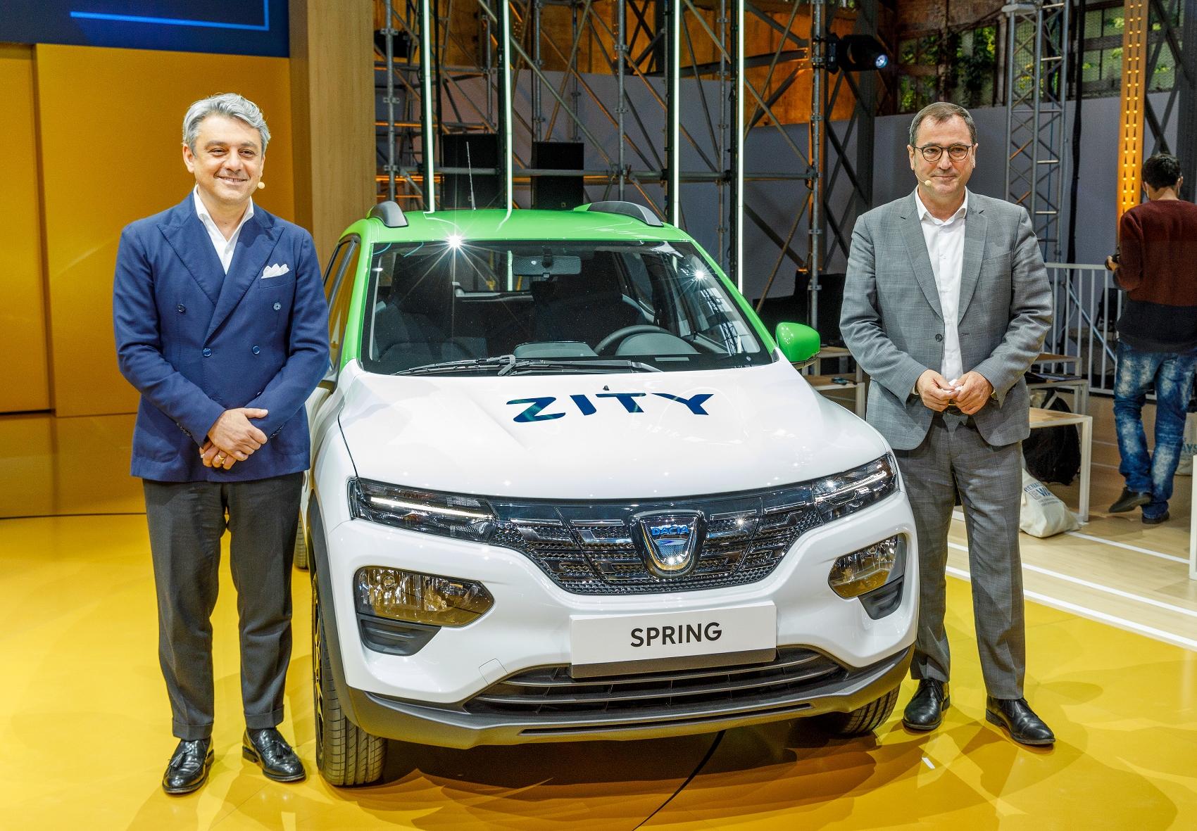 Nová elektrická Dacia Spring bude superlacná 8OFWFFl76N 2020-renault-eways-press-conference-8-1700x1