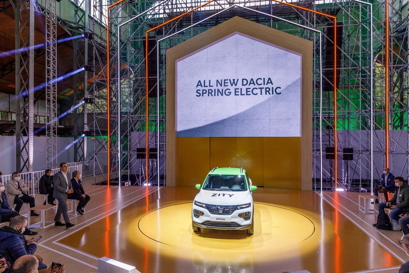 Nová elektrická Dacia Spring bude superlacná JYr9yoJzbp 2020-renault-eways-press-conference-3-1700x1
