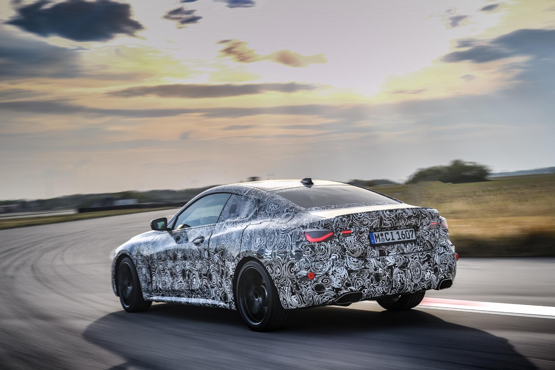 Nové BMW radu 4 Coupé dostane športovejší podvozok 8EVPxaDoRU bmw-4-coupe-7