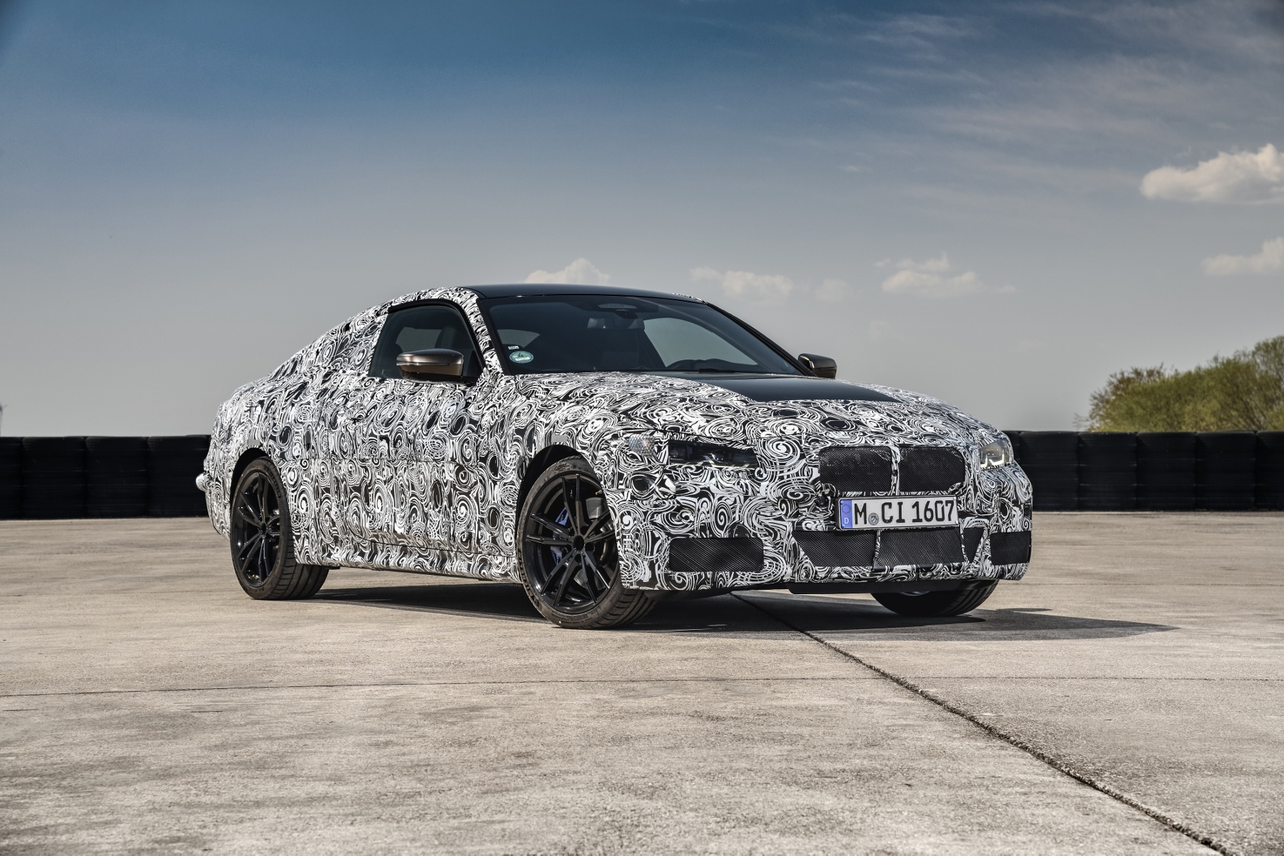 Nové BMW radu 4 Coupé dostane športovejší podvozok MFe95rUpSB bmw-4-coupe-17