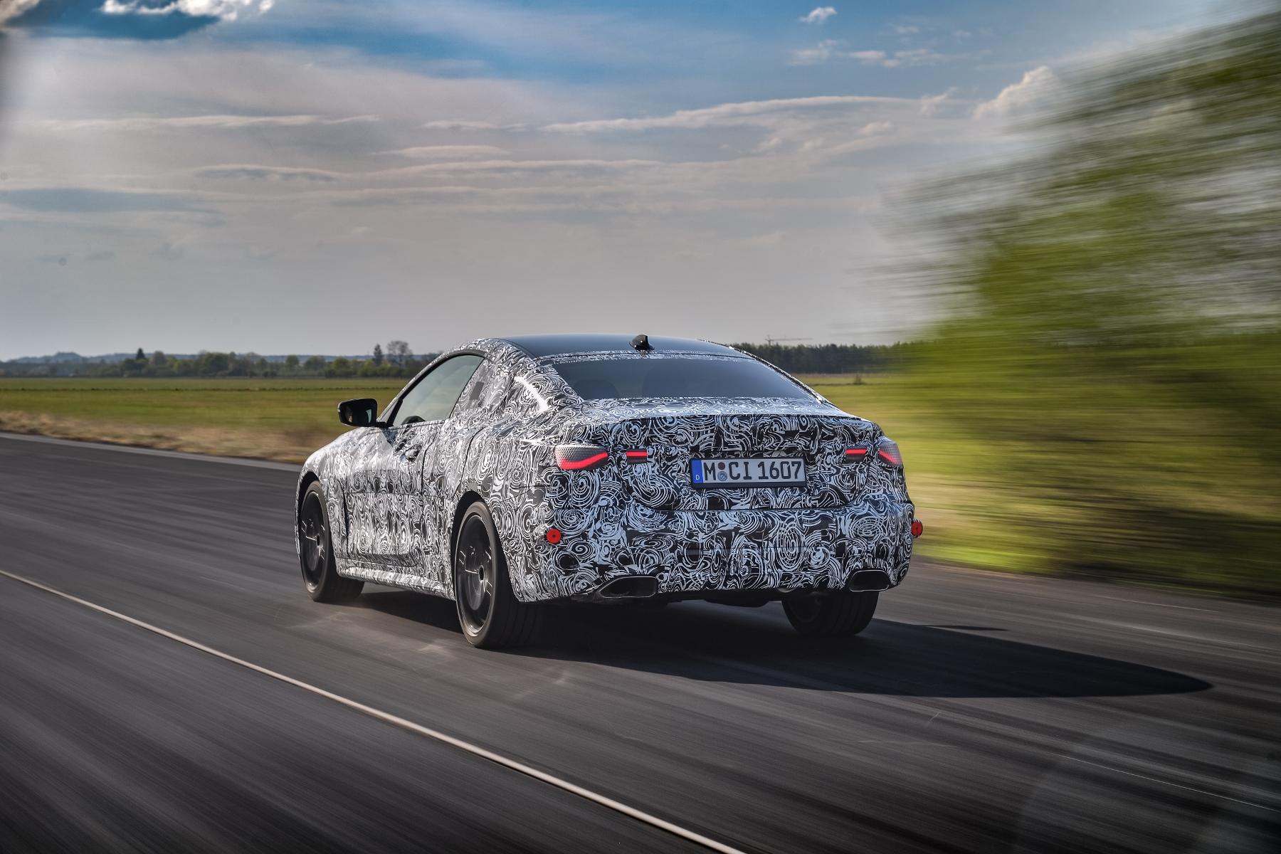 Nové BMW radu 4 Coupé dostane športovejší podvozok S9aEnySKGW bmw-4-coupe-8