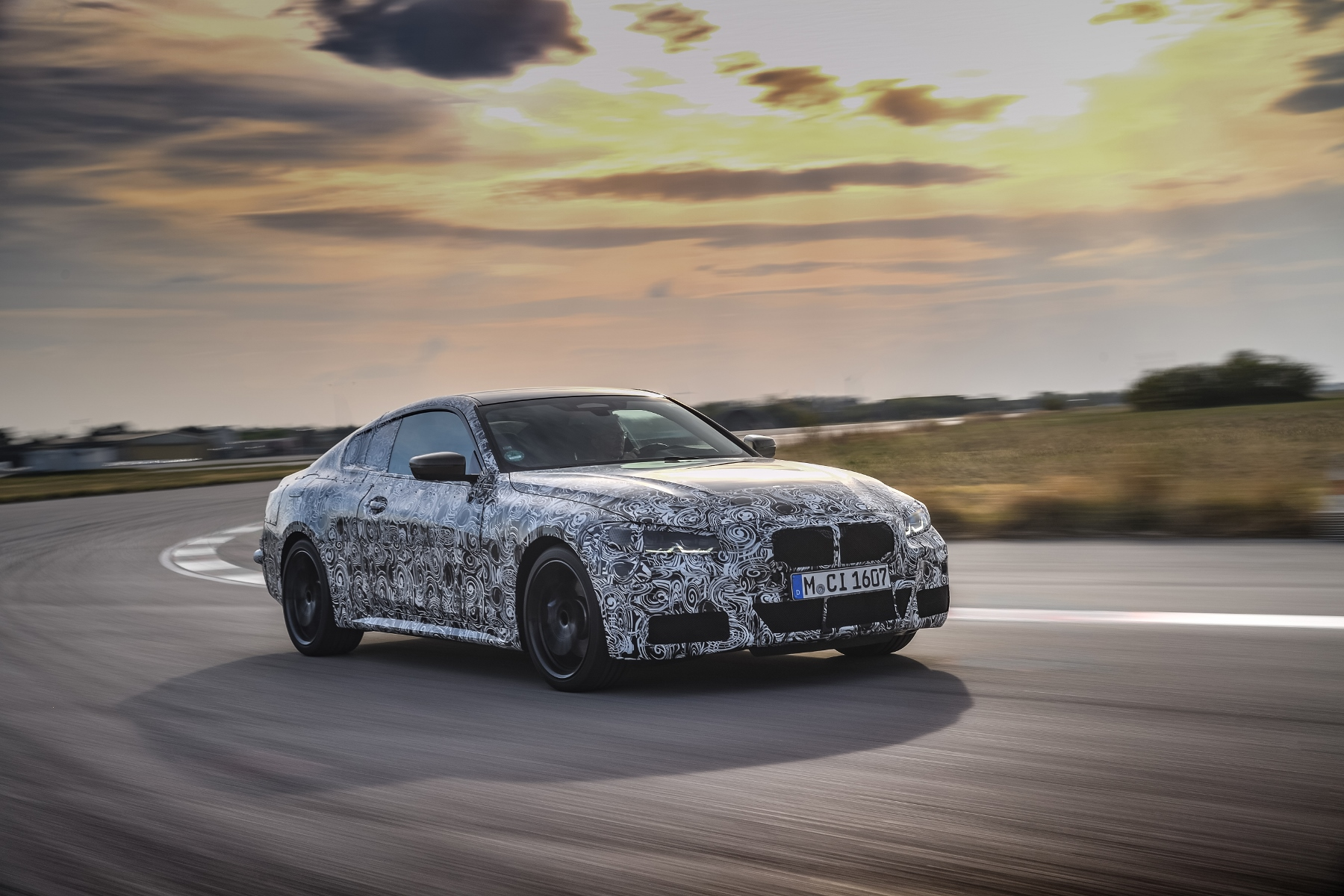Nové BMW radu 4 Coupé dostane športovejší podvozok yD40xulDBs bmw-4-coupe-2