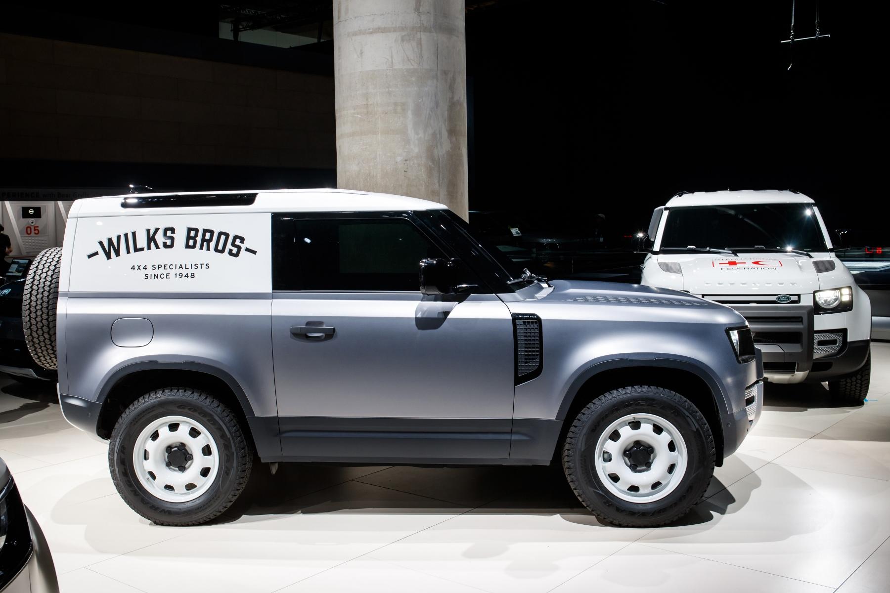 Nový Land Rover Defender prichádza v úžitkovej verzii Hard Top vPr15o54Ye 7lrdefhardtopfrankfurt01-1