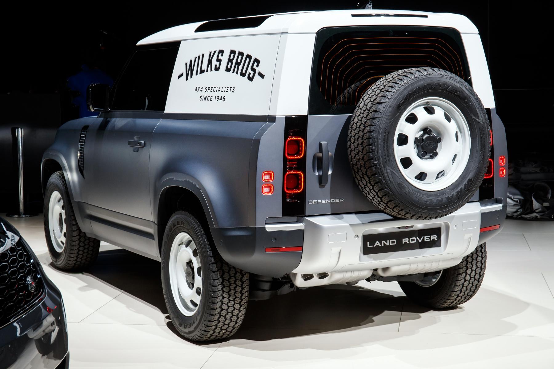 Nový Land Rover Defender prichádza v úžitkovej verzii Hard Top yhEXw9WfA3 3lrdefhardtopfrankfurt02-1