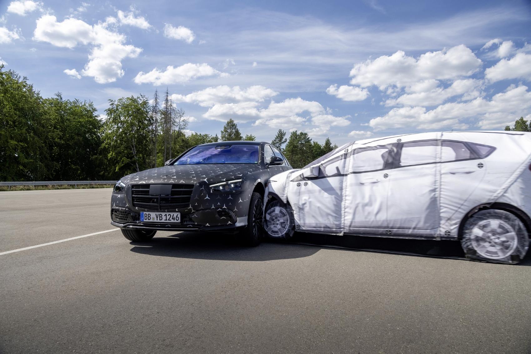 Nový Mercedes S je najpokročilejším Mercedesom v histórii J7b5WyGOXm 20c0377014-1700x1133