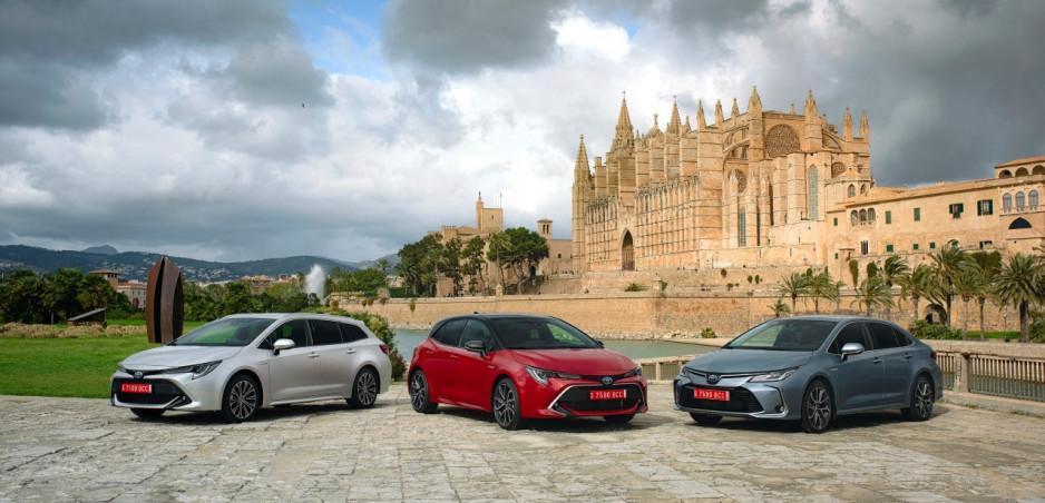 Online showroom pre modely Toyota je spustený