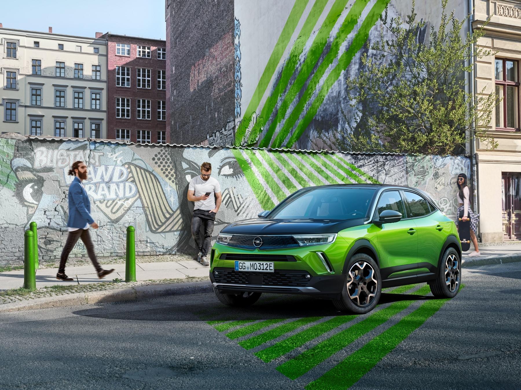 Opel Mokka sa od súrodencov odlíši odvážnym dizajnom eINHVzs8Zl 12-opel-mokka-e-512273-1800x1350