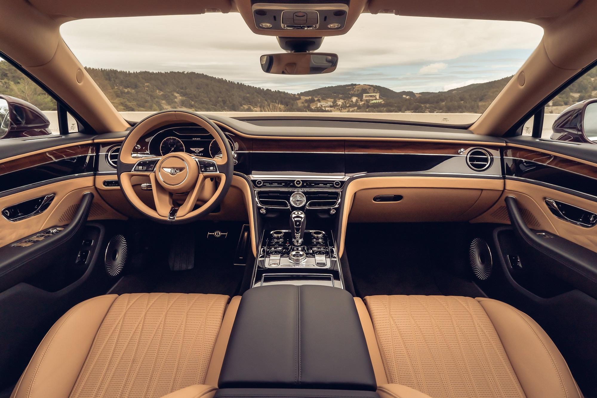 Otočný panel v Bentley je kus efektnej a precíznej techniky dGrTq622yI bentleyrotatingdisplay-2
