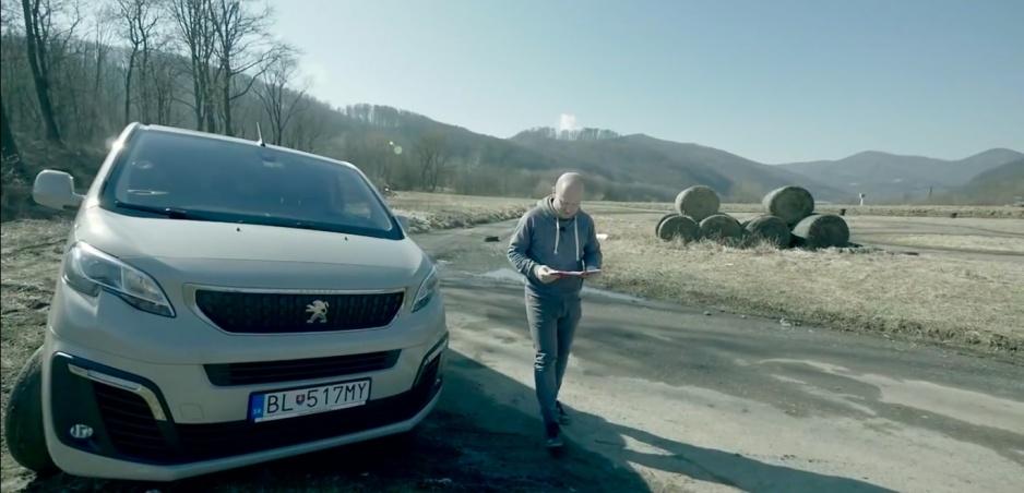 Peugeot Traveller: Komfort vo veľkom obale.