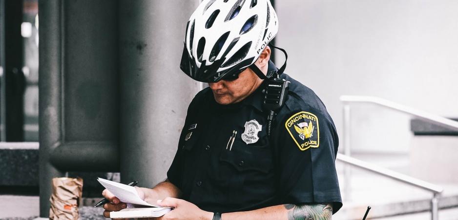 Policajná šikana od susedov: Pomáhať a chrániť je motto iba na papieri