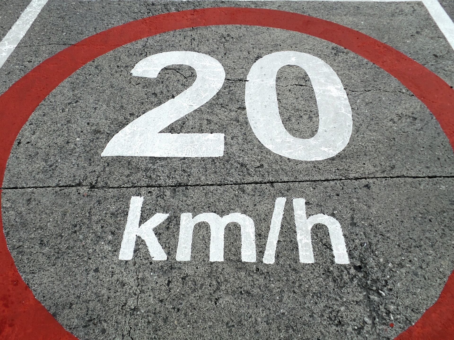 Poľská polícia sa zameriava aj na príliš nízku rýchlosť