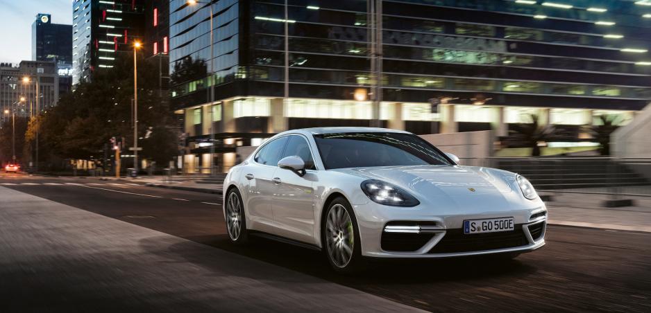 Porsche zastavuje predaj Panamery a zvoláva desiatky modelov. Dôvodom je technická vada