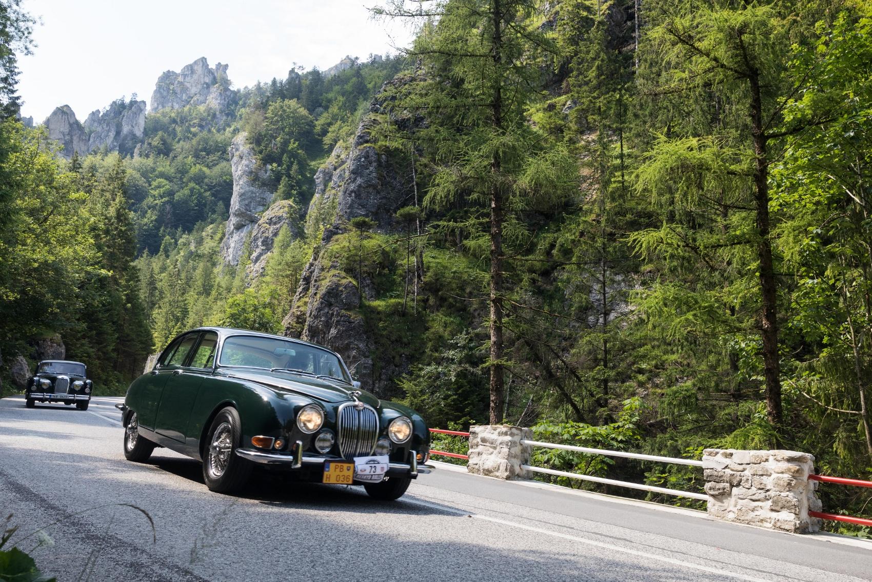Pozrite si galériu z podujatia Beskyd Rallye – memoriál Ladislava Dlhopolčeka 2020 JsHBR5nFCy turzov